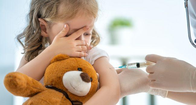Désaccord des parents au sujet de la vaccination de l'enfant contre la rougeole – que dit la justice ?