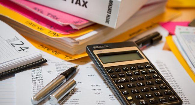 Contribuable imposé à la source : il faut tenir compte du revenu effectif du conjoint, et non d'un revenu théorique